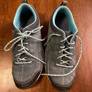 LL Bean Womens BeanSport Lace Up Sneaker Shoes 8.5